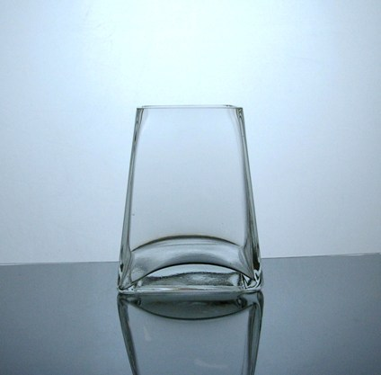 Pz3556 Short Tapered Up Glass Vase 35 X 5 X 6 12 Pc Glass